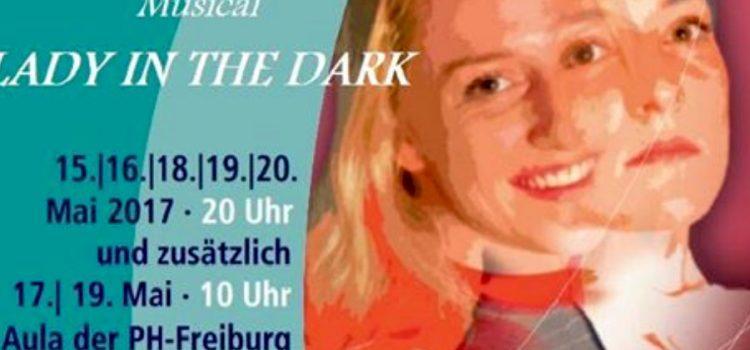 "9a im Musical "" Lady in the dark"""